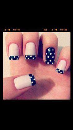 Negro con puntos blanco.