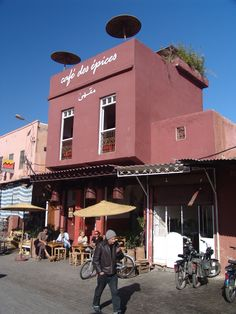 ENTERTAINMENT. Café Des Épices. Grab a prime spot above the healers and potion-dealers of the Rahba Qedima and watch the magic happen as you sip a reviving caffeinated beverage. The young Marrakshi staff are hip and easygoing, there's free wifi, and if you linger over mint tea long