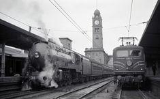 3801 Sydney terminal Southern Highlands Express steam loco in Visit Sydney, Rail Transport, Train Pictures, Victoria Australia, Modern Artists, Steam Engine, Steam Locomotive, Beach Fun, Around The Worlds