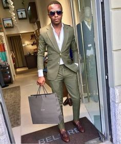 Easter Outfits For Black Men - Boys, it's time to celebrate Easter in style! And when it comes to carrying an outfit with class, there is no denying that black men do it best.