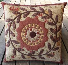 Wreath Cushion Pattern | Pine Valley Quilts