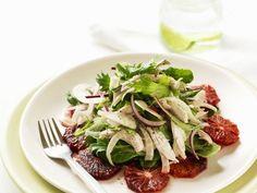 Blutorangensalat mit Hähnchen und Fenchel ist ein Rezept mit frischen Zutaten aus der Kategorie Hähnchen. Probieren Sie dieses und weitere Rezepte von EAT SMARTER!