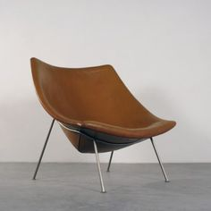 :: Oyster Lounge Chair by Pierre Paulin for Artifort ::