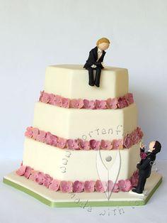 """Gay Hochzeitstorte """"Kusshand"""" von www.at - Gay Weddingcake Topper Desserts, Food, Cakes, Big, Gifts, Dekoration, News, Tailgate Desserts, Scan Bran Cake"""
