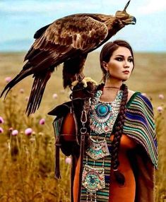 Kazakh beauty as Eagle Hunter. With unique, traditional twist of hair and jewelr… Kazakh beauty as Eagle Hunter. With unique, traditional twist of hair and jewelry. - My Accessories World Foto Fantasy, Beautiful People, Beautiful Women, Native American Beauty, Native American Girls, Native Indian, World Cultures, Belle Photo, American Indians
