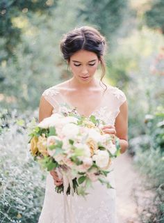 Beautiful Vintage Inspired Wedding Gown - Rustic Bouquet