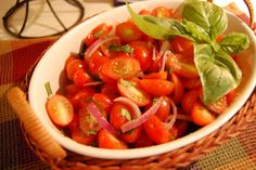 Looks like a yummy summer salad! And easy!