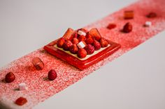 """""""Wild Strawberries"""" at #LaScene restaurant by #YannCouvreur, #PrincedeGalles."""