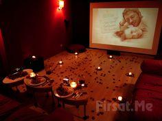 Cihangir Kafika'da Özel Sinema Odasında 2 Kişilik Romantik Sinema Keyfi! Cihangir Kafika; 2 Kişilik Salonda Romantik Sinema Keyfi ile özel hazırlanmış sinema odasında, Sevdiğinizle romantik ve mutluluk dolu bir güne davet ediyor.