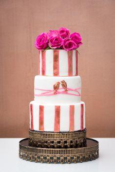 """""""Love Birds"""" Hochzeitstorte mit Rosen - wedding cake with roses by Jessica Mauer Patisserie"""