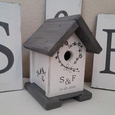 Nistkästen & Vogelhäuser - Vogelhaus im Shabby Look   - ein Designerstück von Holzallerliebst bei DaWanda