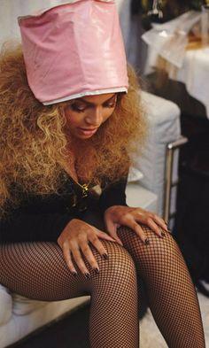 Beyoncé's Backstage Beauty Secret Is Delightfully Old-School