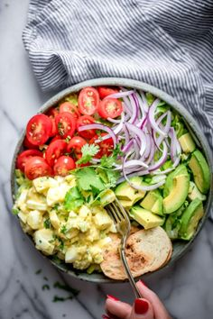 My Healthy Egg Salad recipe is perfect for lunches and meal prep. I make it healthier by replacing mayo with greek yogurt with low carb serving suggestions! Healthy Egg Salad, Easy Egg Salad, Easy Salads, Easy Meals, Avocado Salad, Cobb Salad, Lunch Recipes, Salad Recipes, Healthy Recipes