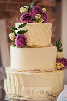 Gorgeous cakes by http://www.fanciebunscakery.co.uk