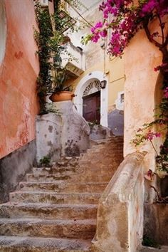 I travel to Italy in my 'heavenly thoughts' daily. (Ancient steps in Positano) #ItalyTravel