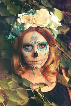 totenkopf blau türkies schmetterling glitzer skull make-up blumenkranz