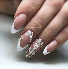 Nail art Christmas - the festive spirit on the nails. Over 70 creative ideas and tutorials - My Nails New Nail Designs, Acrylic Nail Designs, Acrylic Nails, Coffin Nails, Pedicure Designs, Nail Art Arabesque, Bridal Nails, Wedding Nails, Glitter Wedding