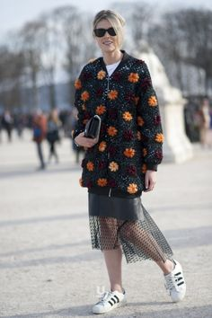 pa-s-sion:  isnapumagazine:Paris fashion week  http://pa-s-sion.tumblr.com