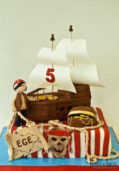 The Cute Pirate Cake by aysemoztas