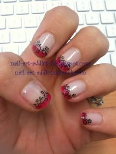 Nail Art : French Manucure http://www.nail-art-addict.blogspot.fr/2011/05/pink-french-flowers-french-rose-fleurs.html
