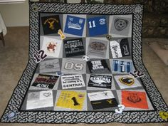 Favorite t shirt quilts. So many BYU shirts, gotta do this one! great-ideas-and-crafts Sewing Crafts, Sewing Projects, Diy Crafts, Shirt Dress Diy, T Shirt, Quilt Making, Quilt Blocks, Making Ideas, Shirt Quilts