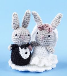 Mesmerizing Crochet an Amigurumi Rabbit Ideas. Lovely Crochet an Amigurumi Rabbit Ideas. Crochet Kawaii, Bunny Crochet, Crochet Cake, Crochet Gratis, Crochet Patterns Amigurumi, Amigurumi Doll, Crochet Animals, Crochet Dolls, Free Crochet