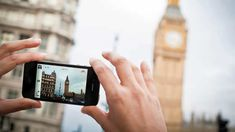 Taking Pictures with iPhone 4 in London © Andrea Zanchi