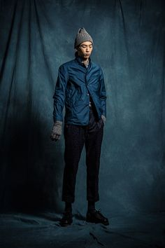 1S01 B.D LS Shirt/1O08 Water Resistant Blazer/1P01 Pleat Pants/1A01 Knitted Beanie/1A06 Knitted Gloves