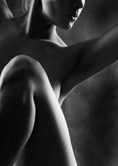 sensual photography. a wowzer.  FHU via Tumblr