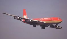 Braniff International Boeing 707-327C N7098 turning on to final approach while operating a Military Air Charter into Naval Air Facility Atsugi, circa January 1972. (Photo: Susumu Tokunaga, Copyright: Braniff Flying Colors Collection)