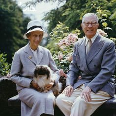 Queen Louise and King Gustaf Adolf of Sweden in old age.  They look so sweet and happy together!