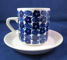 Arabia of Finland, Rypäle, Grapes, coffee cup and saucer.