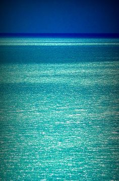 Turquoise Glitter Ocean, how beautiful are these colors
