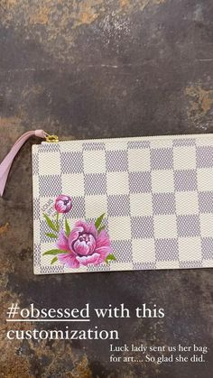 Painted Bags, Hand Painted, Painting Leather, Vintage Handbags, Paint Designs, Passion For Fashion, Luxury Branding, Louis Vuitton Damier, Needlework