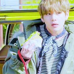 #BTS (防弾少年団)#JHOPE& #JIMIN&#V の撮影の裏側にキュンキュン♡【ViVi2018年5月号】