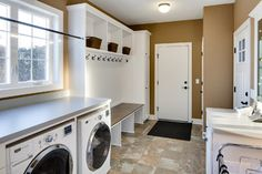 Laundry Room / Mud Room - traditional - laundry room - minneapolis - by Mark Teskey Architectural Photography