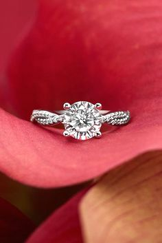 simple round cut engagement rings 1