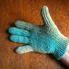 Shara Lambeth Designs: 4 Ply Sideways Gloves Knitting Pattern