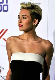 Miley Cyrus and her perfect collar bones  Fame went to her head