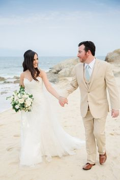 Congratulations to Jordan & Jamie on such a beautiful wedding! Makeup by #CaboMakeup by Alma Vallejo. Photos by Sara Richardson Photography. See their Rustic Glam Beach Wedding published on Wedding Chicks here: http://www.weddingchicks.com/blog/rustic-glam-beach-wedding-l-13751-l-43.html  #wedding #makeup #makeupartist #beauty #love #bridetobe #wedspiration #destinationwedding #loscabos #cabosanlucas #mexicowedding #loscaboswedding #almavallejo #weddings #bride #bridal #bridalmakeup…