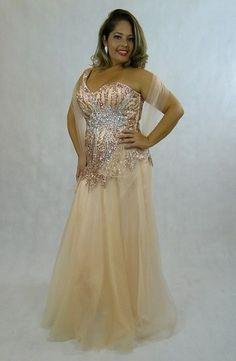 Vestidos de festa plus size, acesse http://blacksuitdress.com.br/plus-sizes-8 #vestidodefesta #tamanhogrande #plussize #gordinha #elegancia #vestidos #festa #casamento #estilo #formatura #formanda #debutante #madrinha #mãedenoiva