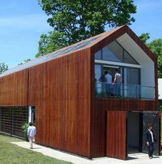 Cumuru wood cladding in rainscreen for Buffalo house by Studio 804