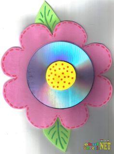 CD Den Çiçek (kalıplı) - Okul Öncesi NET / Okul Öncesi Forum Sitesi Cd Crafts, Flower Crafts, Easter Crafts, Crafts For Kids, Cd Art, How To Make Paper, Party Themes, Upcycle, Children