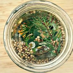 This winter gin is infused with fresh foraged juniper berries, white fir, and lots of winter herbs and spices. It's refreshing and aromatic, and a perfect winte Gin Drink Recipes, Vodka Recipes, Cocktail Recipes, Make Your Own Gin, How To Make Gin, Strawberry Banana Milkshake, Winter Cocktails, Gin And Tonic, Perfect Food