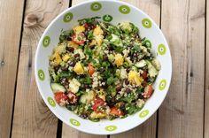 Insalta di quinoa, mango e avocado