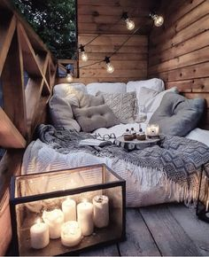 Sweet and Romantic Bedroom Ideas You Would Love To Have; Sweet and Romantic Bedroom Decoration; Sweet and Romantic Bedroom; Sweet and Romantic Bedroom Design;Sweet and Romantic Bedroom Decor; Cozy Room, Warm Cozy Bedroom, Aesthetic Bedroom, Cozy Aesthetic, Home Living, Dream Rooms, My New Room, Cozy House, Room Inspiration