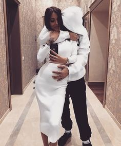 Watch live girls for free @ Freebestcams . Cute Couple Outfits, Cute Maternity Outfits, Stylish Maternity, Pregnancy Outfits, Maternity Pictures, Maternity Fashion, Pregnancy Photos, Luxury Couple, Pretty Pregnant