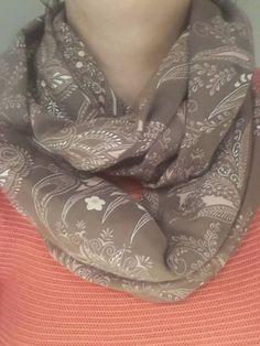 DIT is zonder twijfel mijn nieuwe verslaving!        Wilt u ook zo'n verslavende leuke sjaal maken aan de hand van een duidelijke omschrijvi...