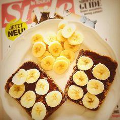 Guten Morgen  Der Moment an du realisierst das der Zimt leer ist  Also gibt es mein Erdnussbutter-Nunux-Bananen Brot ohne Zimt  Wünsche euch einen schönen Sonntag  #frühstück #breakfast #breakfastlover #nunux #banane #bananas #absaremadeinkitchen #bodybuilding #cardio #diät #disziplin #eatclean #eatforprogress #ernährungsumstellung #fit #fitgirl #fitness #girlslift #girlswithmuscle #girlswithweights  #lowcarb #Motivation #NoExcuses #power #pornfood #strong #strongisthenewsexy  #trainhard…