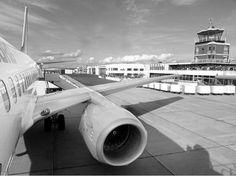 Bild aus der Vergangenheit (2001): Der Flughafen Kassel-Calden vor dem Ausbau